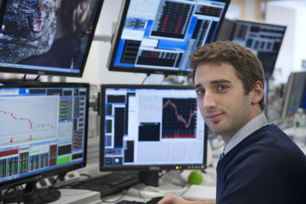 what to do to earn money online proprietary trading company london